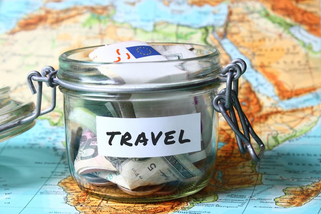 travel savings jar